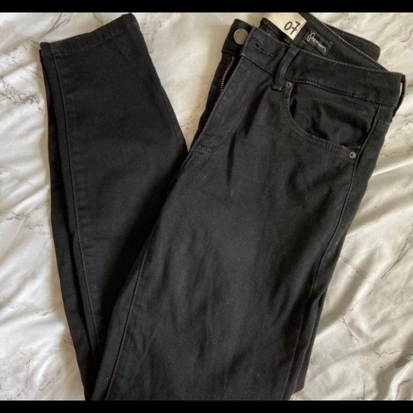 Black garage mid rise jeans